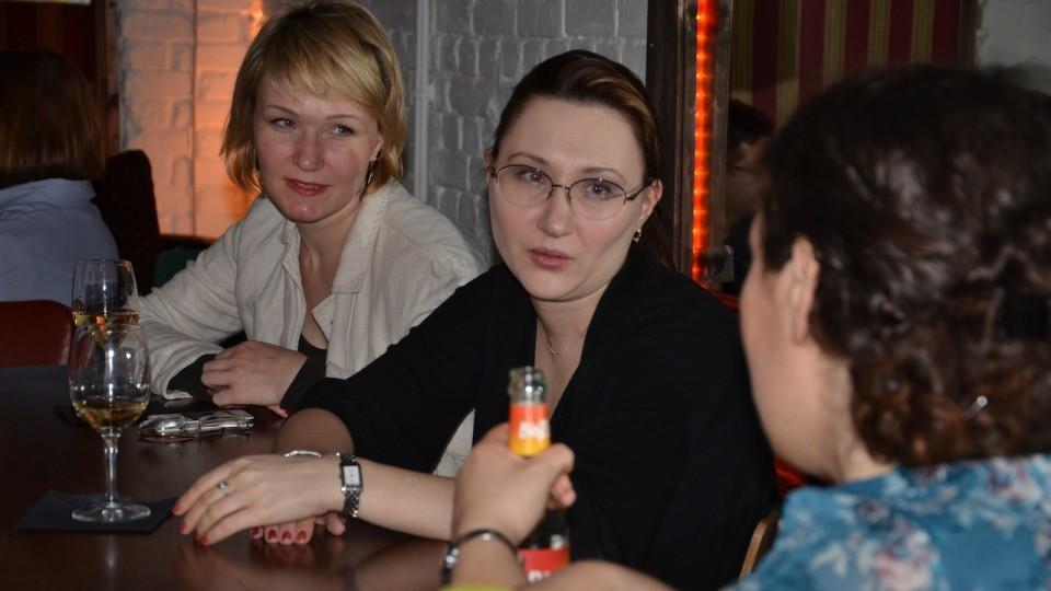 Svetlana Bodrunova (Mitte) ist Dozentin in St. Petersburg