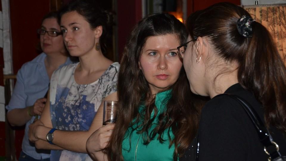 Anna Litvinenko (Mitte) und Svetlana Bodrunova