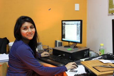 Camila Rojas in ihrem Büro 1
