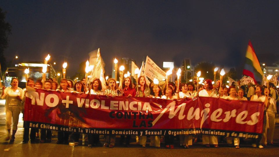 Das chilenische Netzwerk gegen Frauengewalt fordert ein Ende der Gewalt. Foto Kenna Lorenzini